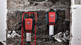 Uusissa tuotteissa on Milwaukeen® kelluvarakenteinen AVS-järjestelmä, jonka ansiosta käyttäjä voi nojata työkaluun tärinää tuntematta.