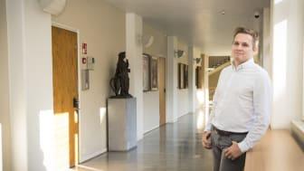 Centre for Corporate Responsibility (CCR)on Hankenin ja Helsingin yliopiston yhteinen tutkimus- ja kehityskeskus. Kauppatieteiden tohtori Nikodemus Solitander toimii CCR:n johtajana. Kuva: Matti Hietala/Presser Oy