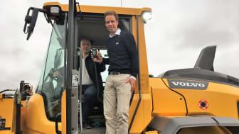 André Melby, regionansvarlig STS AB Norge (venstre) og Christian Salvesen, prosjektansvarlig for trafikksikkerhet og Dräger alkolås hos KGK i Norge (høyre).