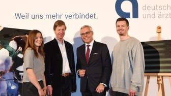v.l.n.r.: Alicia Viebrock, Prof. Dr. Robert Fleck, Kunstakademie Düsseldorf, Ulrich Sommer, stellvertr. Vorsitzender der Deutschen Apotheker- und Ärztebank, David Benedikt Wirth