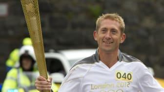 Samsung forstätter att hylla unga ideella ledare: I helgen var det svenskarnas tur att bära den olympiska elden inför OS i London 2012