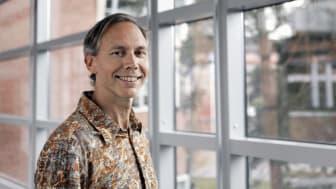 """""""Ingen vet exakt hur ännu, men människor och datorer kommer definitivt att jobba smartare tillsammans i framtiden"""", säger Thomas Pederson, ny professor i Informatik vid Högskolan Väst."""