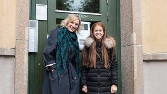Khawla og Inga Marte Thorkildsen (Foto: Kikkut/Anna Vaagland)