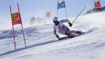 Alpint blir å finne på NENTs kanaler om to år. Her er Lucas Braathen under verdenscupåpningen i Sölden. (Foto: Scanpix)
