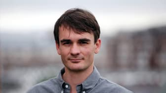 Prisvindende britisk forfatter om Auschwitz kommer til Danmark