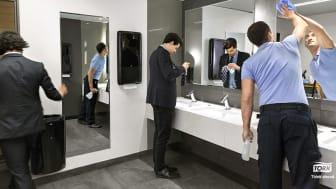 Arbetsgivare behöver se över möjligheten till hygienstandarden på arbetsplatserna.