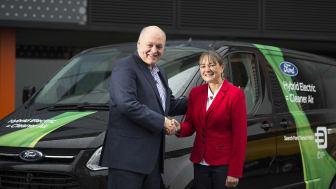 Prezident a generální ředitel Ford Motor Company Jim Hackett včera v Londýně otevřel novou Ford Smart Mobility Innovation Office  pod vedením Sarah-Jayne Williamsové
