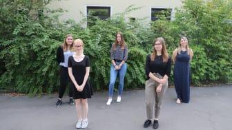 freuen sich auf den Start ihrer Ausbildung: (von links) Luise Brassel (Homberg), Charlotte Kindl (Frielendorf), Melissa Jaworski (Neustadt), Sophie Becker (Neukirchen) und Olga Gross (Schwalmstadt).