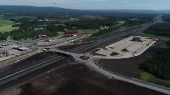 Det nye Ånestadkrysset  på OPS-prosjektet Rv. 3/25 Løten – Elverum. Prosjektet oppnådde Excellent i Whole Team Award. Foto: Erik Larsstuen/Statens vegvesen.