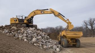 Starka och robusta 36-tonnaren Cat 336 är nästa grävmaskinsmodell som presenteras i Caterpillars nya generation.
