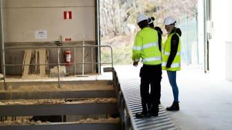Bränsleficka vid Solör Bioenergis fjärrvärmeanläggning i Landvetter.  Foto: Finemanget