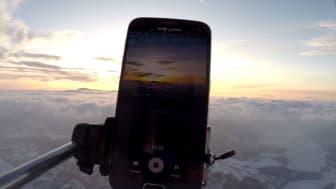 Sendte mobiltelefoner 30.000 meter til værs - SE VIDEO
