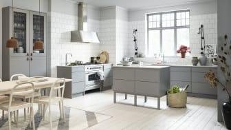 Vedum Kök - Maja mellangrå med köksö