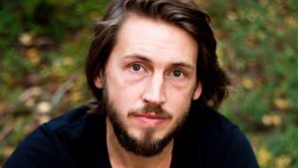 Svante Bäckström, författare till boken Så höjer sig landet