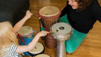 Mer pengar till musikterapi för barn och ungdomar i Stockholm