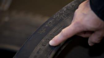 Suomalaiset pilaavat autonrenkaat väärällä säilytyksellä