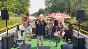 For nyligt optrådte bandet Banglist på Musikschiff under den tyske kunstfestival 48Stunden Neukölln. Festugens samarbejde med den tyske kunstfestival betyder, at både konceptet Musikschiff og bandet Banglist kan opleves under dettes års festuge.