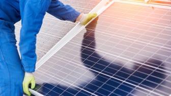 Montering av solceller. Bild: iStock