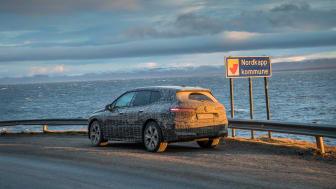 BMW iX genomgår de sista vintertesterna på Nordkap