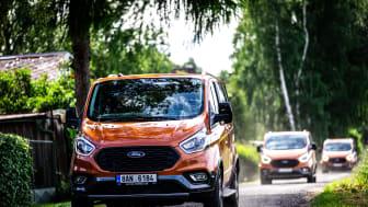 Novináři a další hosté se mohli na akci blíže seznámit s užitkovými vozy Ford Transit Trail, Ford Transit Custom Trail a Ford Tourneo Custom Active.