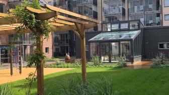 Garvarens innergård med utsikt mot det nya orangeriet