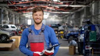 Hård konkurrens om kvalificerad arbetskraft drabbar bilbranschen