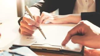 Det är viktigt att jämna ut riskfördelning och skydda sig ansvarsmässigt vid anlitande av underentreprenör. Golvbranschen, GBR, har färdiga avtal för anslutna företag.