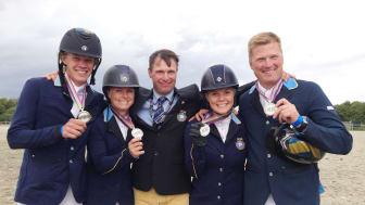 Fälttävlanslag med medalj i sikte