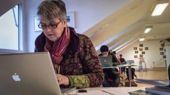 Inom många yrken är det möjligt att fortsätta vara kvar på arbetsplatsen som frilansare och hålla kvar sociala kontakter