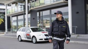 Securitas tecknar bevakningsavtal med Lerum Kommun. Foto: Securitas Sverige AB.