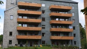 Skövdebostäder valde skiffer till fasaderna på Aspö. Hållbarheten var en avgörande faktor vid valet av material.