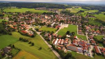 Heimat mit Zukunft:  In Glonn (Landkreis Ebersberg) surfen die meisten Bürger bereits deutlich schneller durchs Netz als in München – dank eines der modernsten Glasfasernetze der Welt (DG).