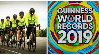 """Boken är här - 2019 års upplaga av """"Guinness World Record"""" där  Måns Möller med sitt cykelteam innehar rekordet för snabbaste lagloppet genom Europa!"""