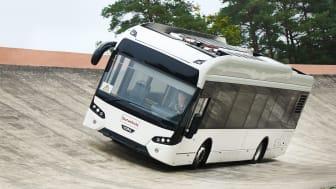 Pressfoto: Continental och VDL Bus & Coach testar prototypdäck för elbussar på Continentals egen testbana - Contidrom.