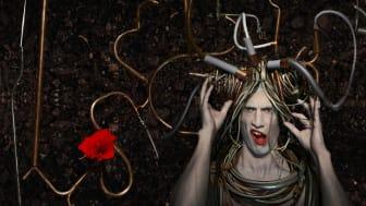 Alice i URKarnas värld Foto: Tomas Björkdal