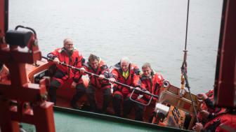De nysgerrige deltagere var også en tur i ESVAGT's FRB (Fast Rescue Boat). Fotos: Sofia Busk