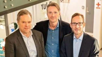 Fra venstre: Gunnar Nordseth (tidligere CEO), Johan Tjärnberg, styreformann, og Asger Hattel, ny CEO i Signicat. (Foto: Signicat)