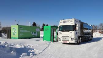 Biokaasua tankkaava maitoauto. Kuva: Valio