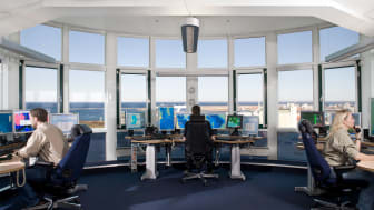 Varje år passerar mellan 35 000 och 40 000 fartyg genom Öresund. Dygnet runt övervakas de av operatörerna på sjötrafikövervakningscentralen Sound VTS. Operatörerna gör årligen cirka 40 avvärjande ingripanden i form av information till fartyg.