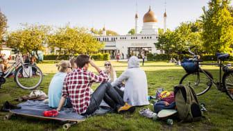 Under Den Stora Vårfesten 26 april -5 maj fylls Folkets Park med massor av aktiviteter för stora och små