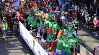 Bilde fra Oslo Pride og FRI Oslo og Akershus sin frivilligflåte, for de frivillige under Oslo Pride. (Foto: Oslo Pride)