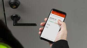 Ease Smart Lock gir et sikrere forløp, der alle bruker mobilen til å åpne og låse etter seg med en gang.
