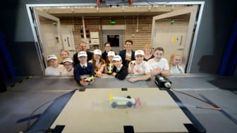Pupils and staff from Garden Valley Middle School pictured with academics from Northumbria's department of Mechanical and Construction Engineering