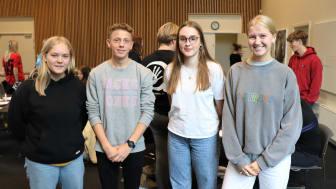 Fire medlemmer af fælleselevrådet. Fra venstre mod højre: Dagmar Jensen, Sortebakkeskolen - Hjalte Hoyer, Sortebakkeskolen - Sarah Balle Aaen (formand), Karensmindeskolen - Mille Nielsen, Sortebakkeskolen