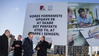 Overborgmester Frank Jensen besøger Arkitektgruppens byggepladser i Ørestad Syd