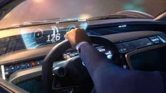 Audi RSQ e-tron cockpit (spionbil til animationsfilmen Spies in Disguise) med hovedperson Lance Sterling