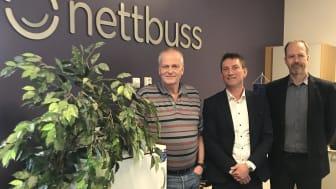 Nettbuss bestiller 14 IVECO Crossway til et anbud i Trondheim. Fra venstre Jens Arne Flåan, flåtesjef i Nettbuss, Dagfinn Heitmann, områdesjef for IVECO BUS i Norge, Sverige og Finland, og Hans Petter Sundberg, teknisk direktør i Nettbuss.