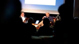 Den nye radioforening RADIO H sender hver fredag fra lokaler i kulturhuset Toldkammeret, der har en række nye lyd- og lytteoplevelser på programmet. Foto: Kulturværftet/Thinkalike.dk