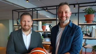Rickard Forsberg, sponsorchef Scandic Sverige och Johannes Wohlert, marknads- och kommunikationsansvarig på SBBF.