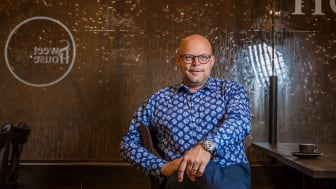 Välas centrumchef Niklas Blonér har under sommaren välkomnat flera nya, unika koncept till handelsplatsen, som exempelvis Sweet House Café som med sina chokladväggar erbjuder besökarna en spektakulär inredningsmiljö. Foto: Johan Warnolf